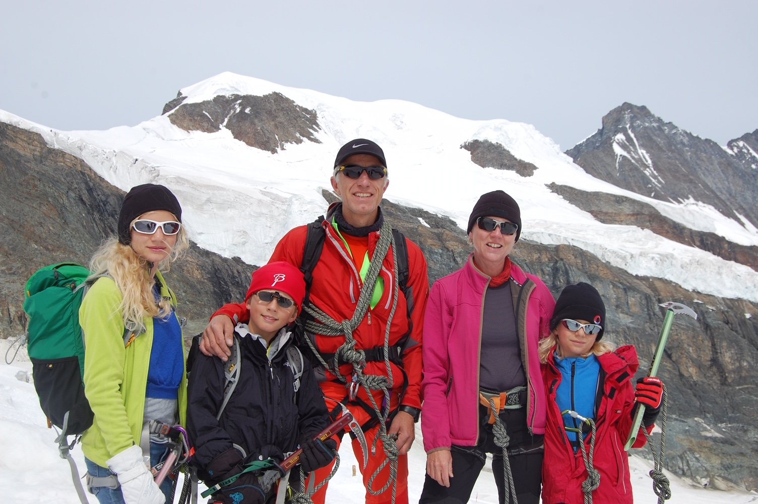 Mathias Gabathuler mit der Familie auf dem Al
