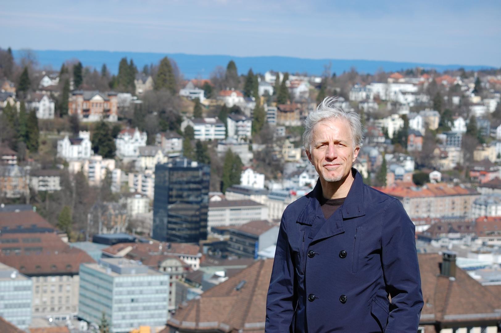 Mathias Gabathuler über der Stadt St.Gallen